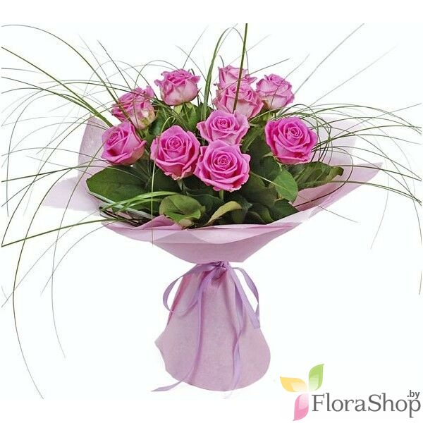 Bouquet of pink roses compliment